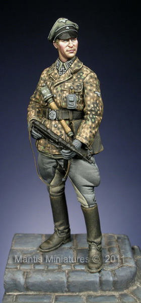 LSSAH Officer, Ardennes - Mantis Miniatures