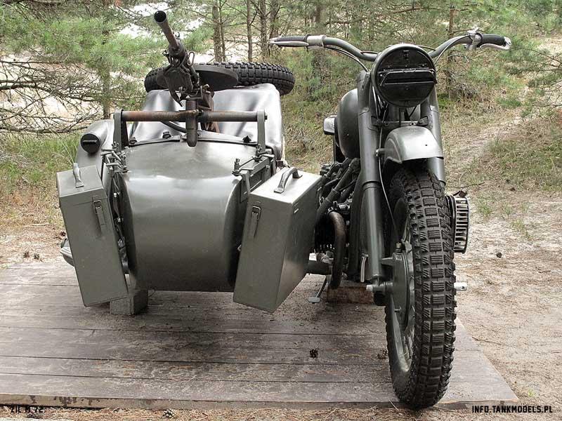 ZIŁ M-72