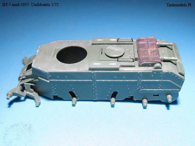 BT-7 mod.1937 - UniModels 1/72